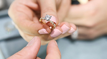 Learn About Diamonds for Engagement Rings