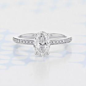 Pavé Oval Shape Diamond Engagement Ring (2006188)