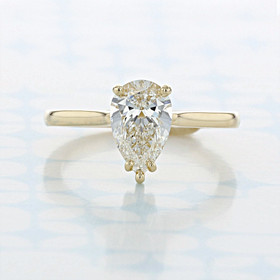 Solitaire Pear Shape Diamond Engagement Ring (2006781)