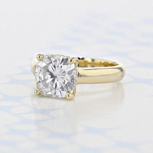 Solitaire Cushion Shape Moissanite Engagement Ring (2006087)