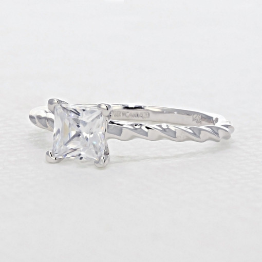 Solitaire Engagement Ring (FG502)