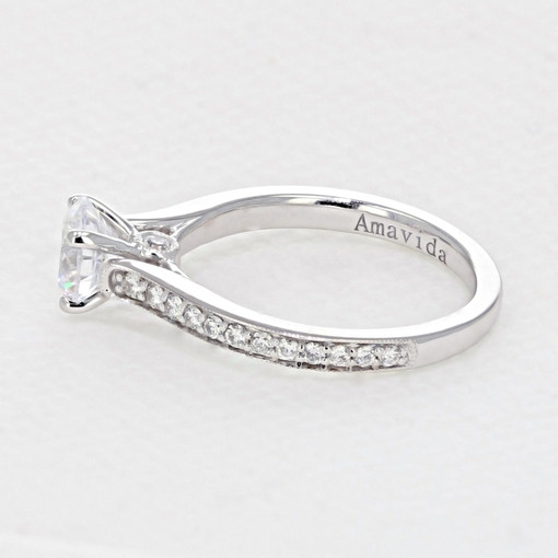 Pavé Engagement Ring (AV01)