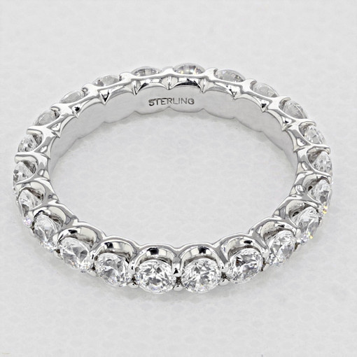 Shared Prong Wedding Band (33-V10Q4W65)