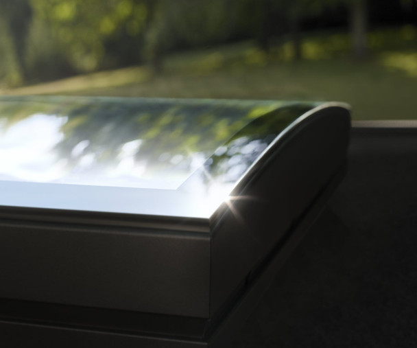 VELUX 31 1/2 x 31 1/2 Flat Roof Skylight with CurveTech Top Cover CFP 8080 1093