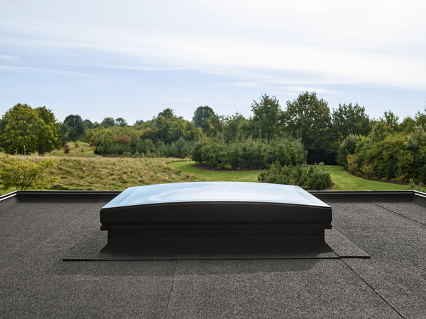 VELUX 35 7/16 x 47 1/4 Flat Roof Skylight and CurveTech Top Cover CFP 090120 1093