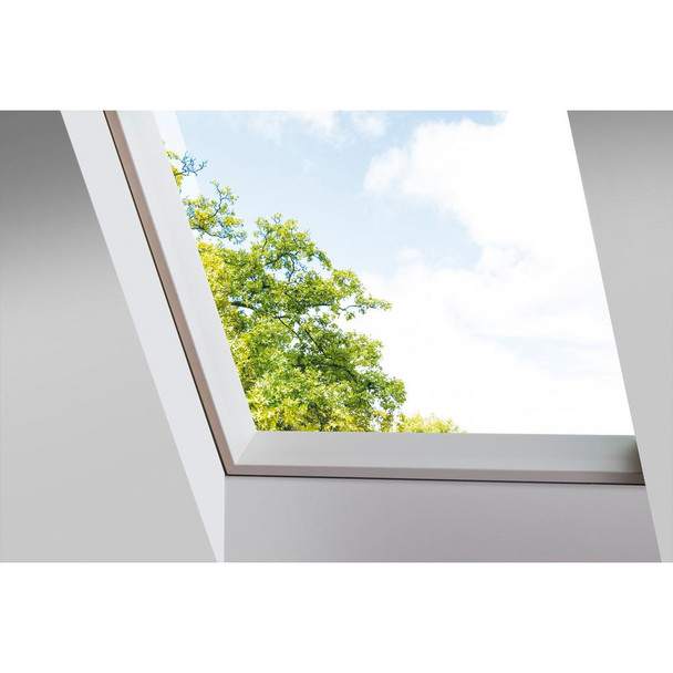 Fakro FXC 14-1/2 in. x 30-1/2 in. Fixed Curb-Mounted Skylight with Laminated LowE366 Glass