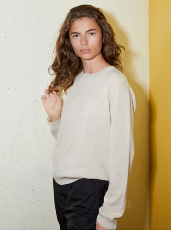 Boxy Cashmere O-Neck in Oatmilk
