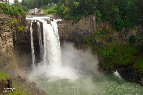 ワイナリーとスノコルミー滝ツアー - 大人