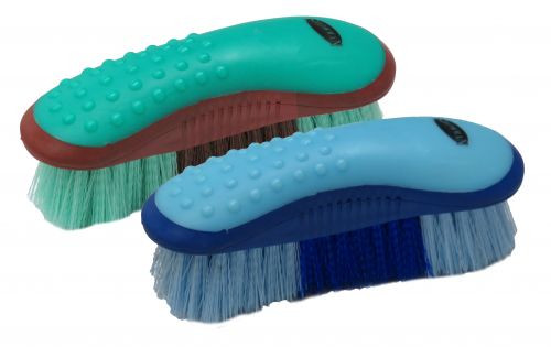 Showman® Stiff brush with grip dots.