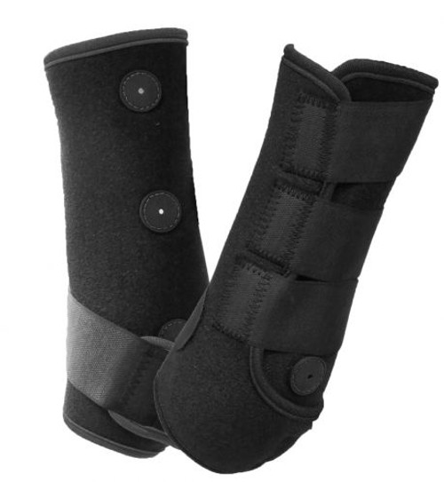 Showman ® Magnetic Therapy sport boots.
