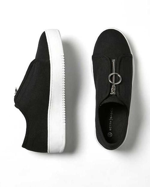 Cruise Zip Sneaker