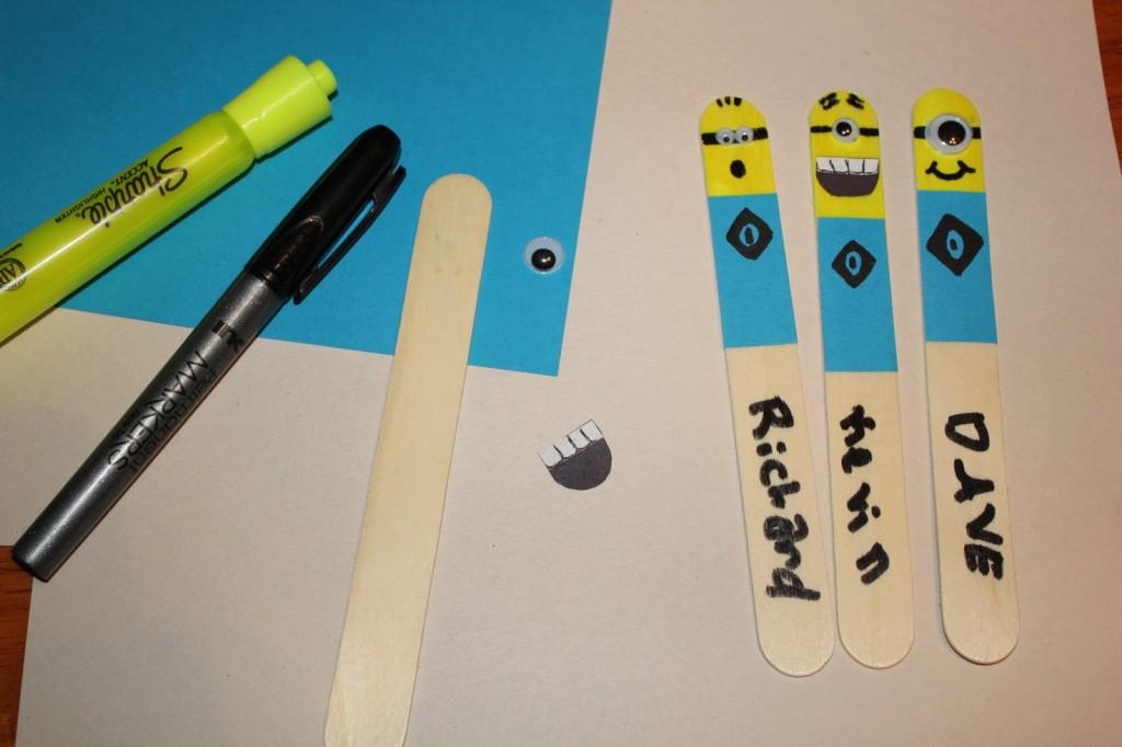 minion bookmarks DIY