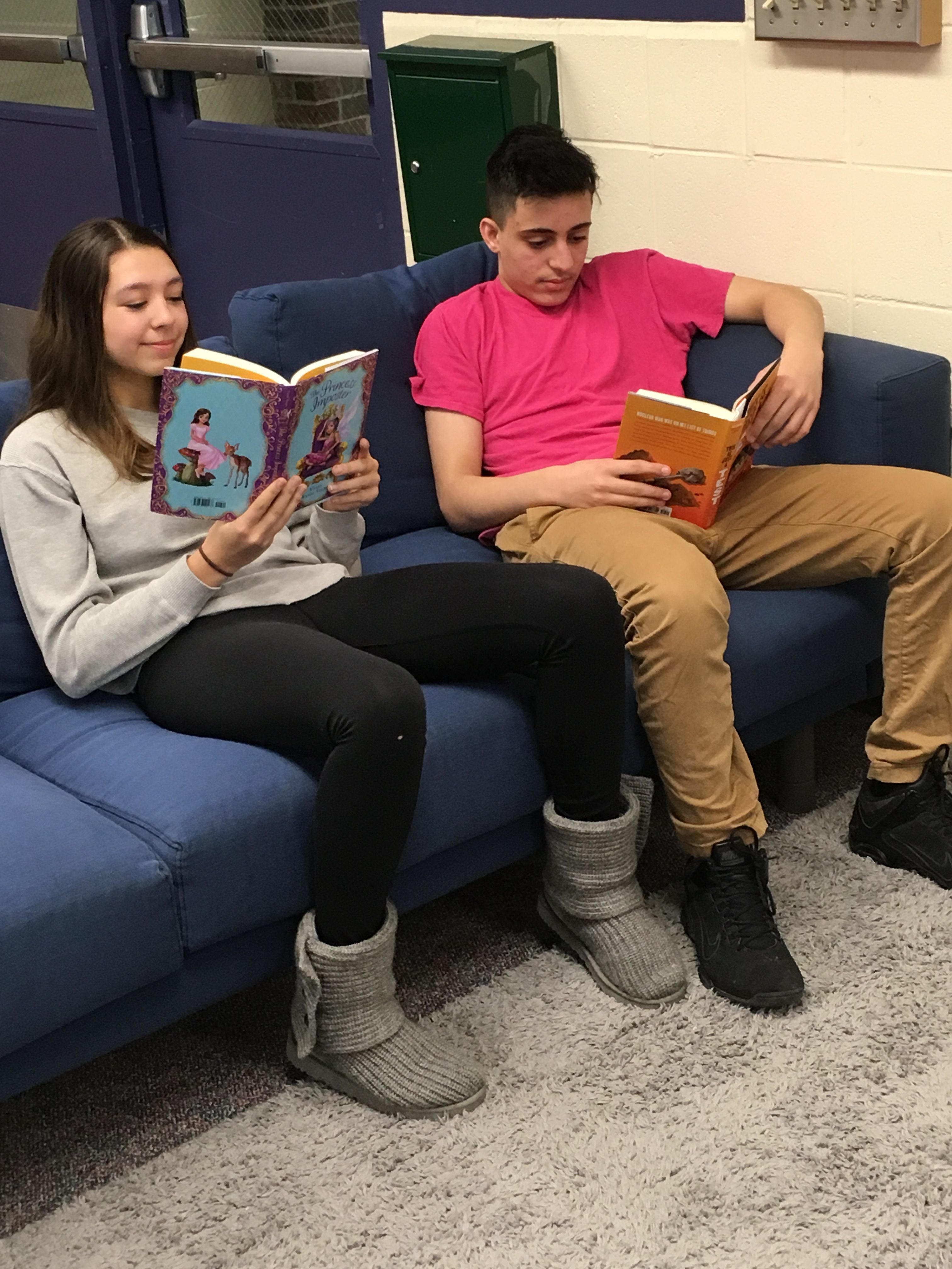 WLMS students enjoy their new books