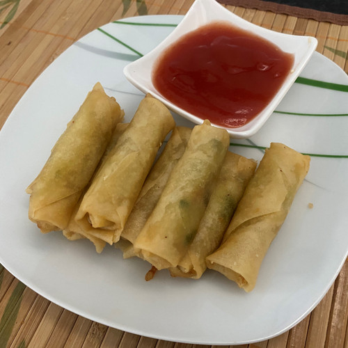 8 Mini Spring Rolls with Sweet and Sour Dip