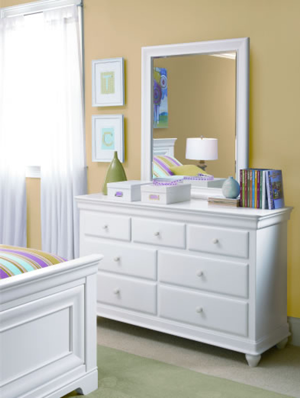 Taylor Drawer Dresser & Mirror - White