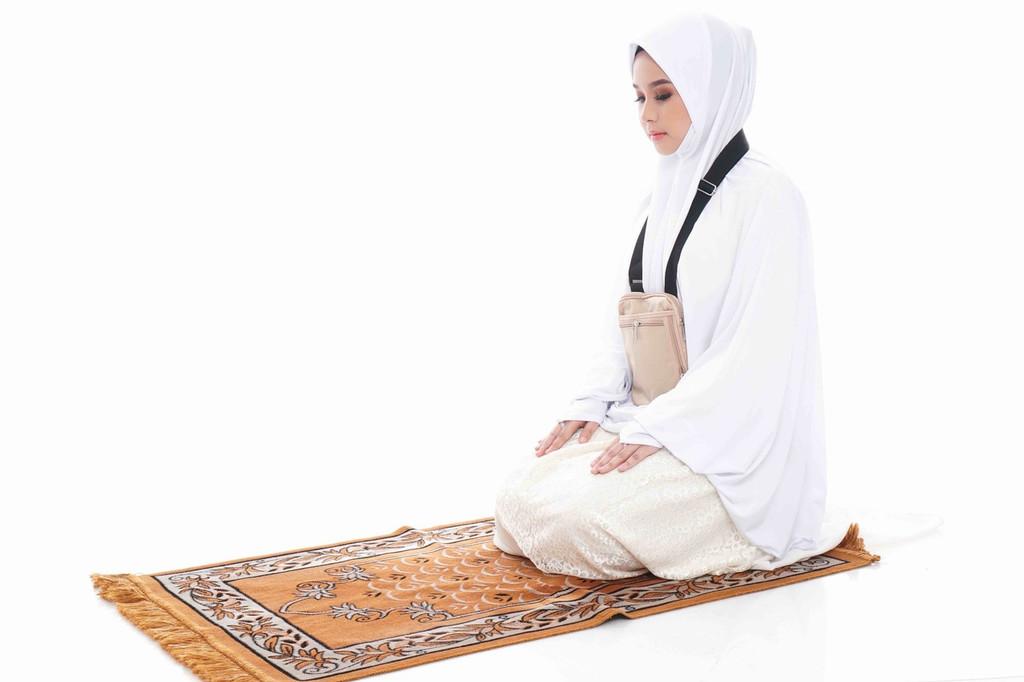 Hajj Safe Sisters Kit 3