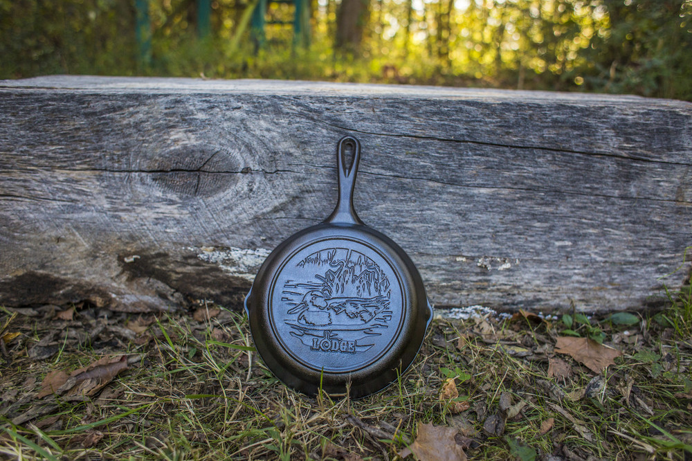 "8"" Duck Wildlife Stamped Cast Iron Skillet"