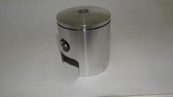 Cut piston port piston skirt