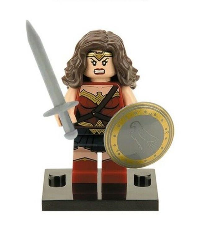 Minifigure - DC - Wonder Woman w/ Shield
