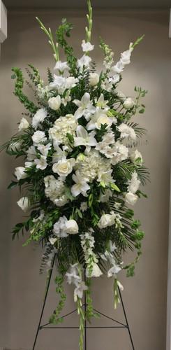 Exquisite Grand White Garden Easel