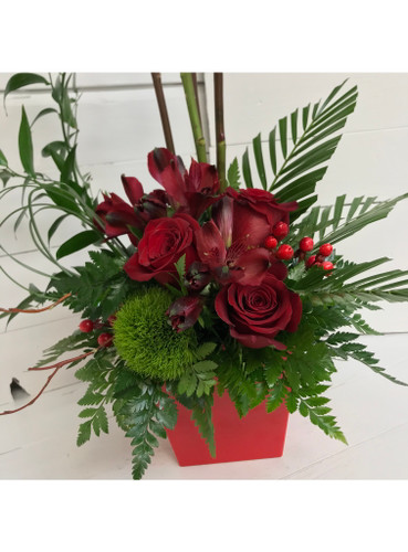 Hearts a Fire Stylish Red Rose Arrangement
