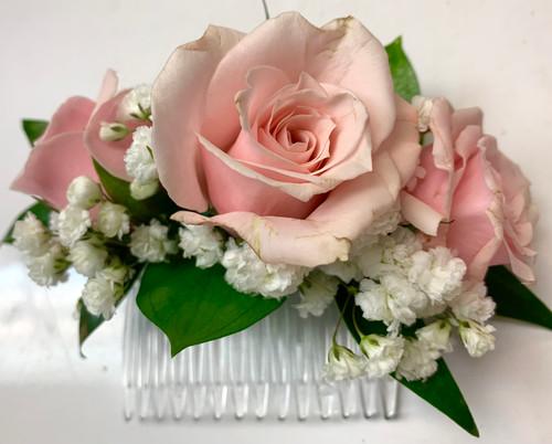 Fresh sweetheart rose hair comb