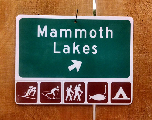 Mammoth Lakes Offramp Sign