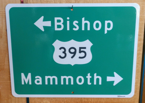 Bishop - Mammoth Arrow Sign