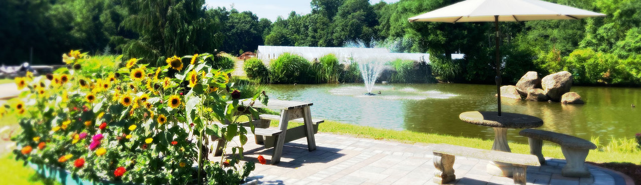 Lamoureux Greenhouses & Landscaping