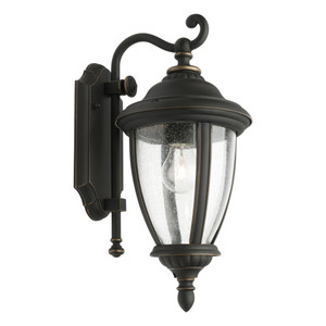 Oxford Tradititonal Coach Lantern Style Exterior Wall Light. One Piece Clear Strippled Glass and Stunning Bronze Finish. Perfeect for Entranceways, Patios and Covered Exterior Walls.