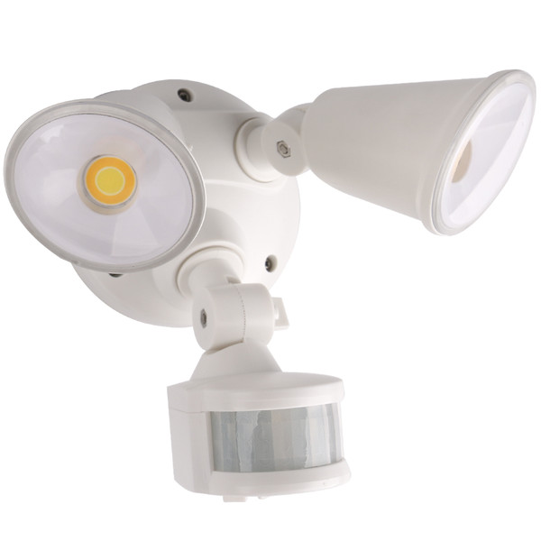 Defender is a double insulated and IP54 ingress protection TriColour LED security light. It features a vertical and horizontal adjustable head and can be wall or ceiling mounted. Making the Defender the perfect light for entry ways, alfresco, garages and walkways.