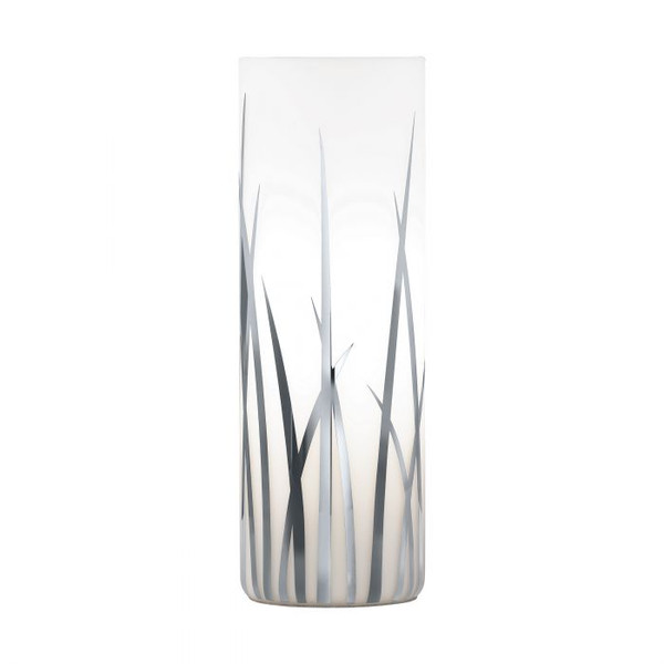 This table luminaire from the series RIVATO is made of chrome-plated steel and an opal glass with chrome-plated decal.