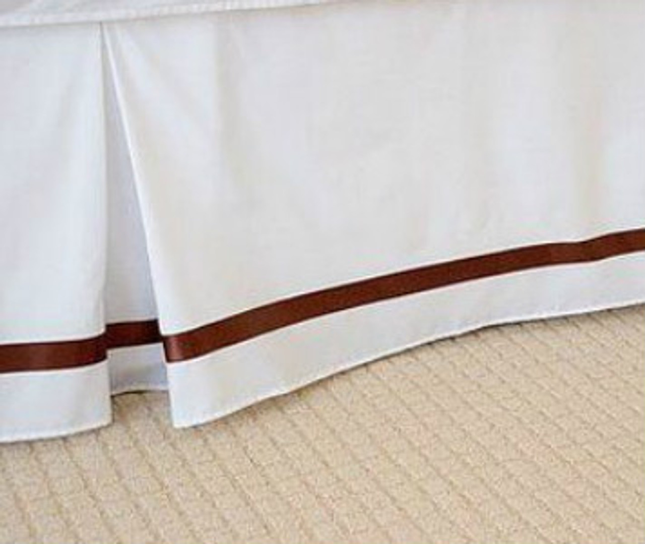 """IVORY BEDSKIRT TAILORED  SPLIT CORNERS  made in usa 21 /"""" KING  BEIGE"""
