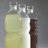 Borosilicate glass water bottles with stopper filled