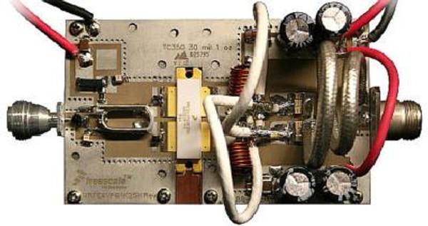 FM-1KW 88-108MHz 1KW Amplifier