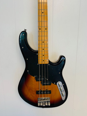Peavey Zodiac BXP 4 STRING BASS tobacco Burst Maple neck