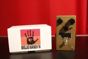 """Mojo Hand FX Sacred Cow """"Professional Gold"""" Overdrive"""