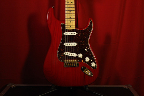 2013 Fender (MiM) Deluxe Series w/ Gig Bag (Used)