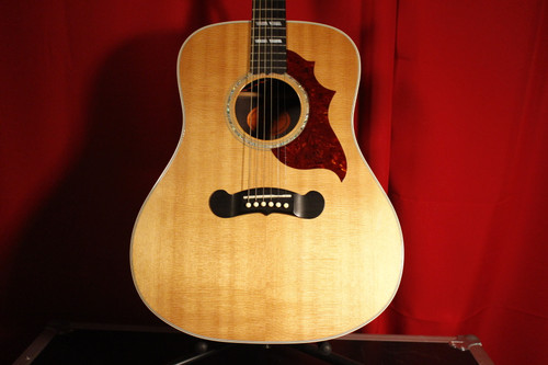 Gibson Songwriter Deluxe w/ Case (Used)