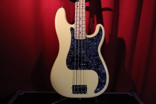 2019 Fender Player Series P-Bass (MiM) (Used)