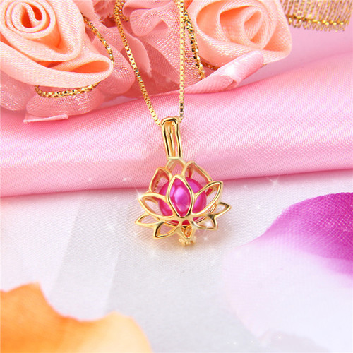 Yellow gold lotus pendant with pearl