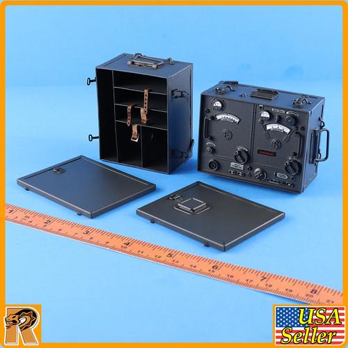 Dennis Waffen Radio Operator - Metal Radio Set - 1/6 Scale -
