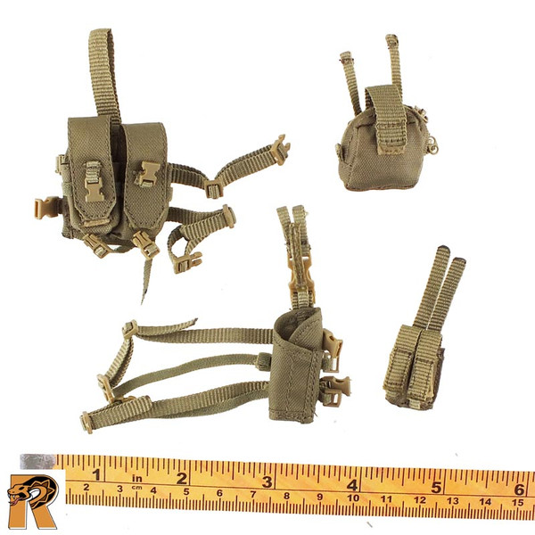 CT014 Military Female - Holster & Pouches A - 1/6 Scale -