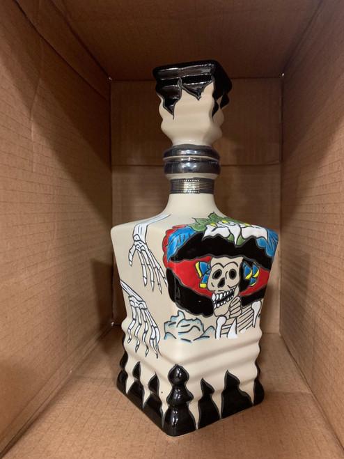 Dinastía Real Extra Añejo Ceramic- Día De Muertos Red & Black Bottle