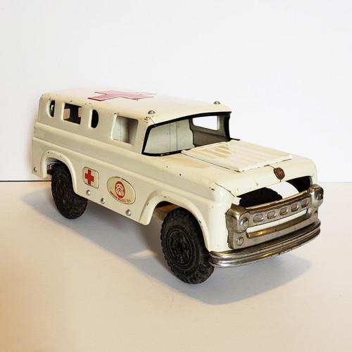 Vintage 1950's Japan Marusan Bulldog Tinplate Ambulance Toy Vehicle #587