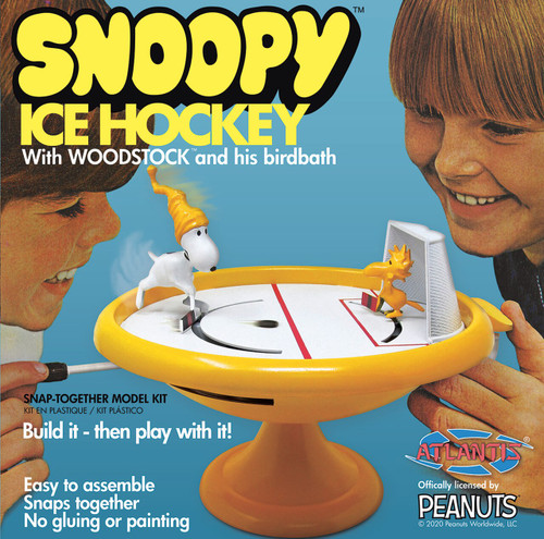 Snoopy and Woodstock Ice Hockey Game/Plastic Model Kit Atlantis Models M5696