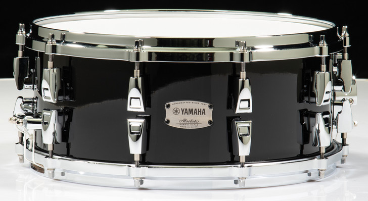 Yamaha Absolute Hybrid Maple 14x6 Snare Drum (Solid Black)