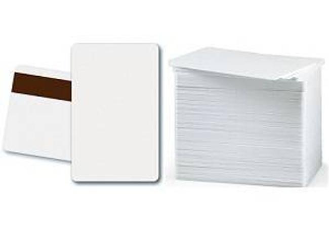 Fargo 82267 CR80.10 Mil Tarjetas de PVC con Adhesivo Posterior Acabado Mylar - Cant. 500