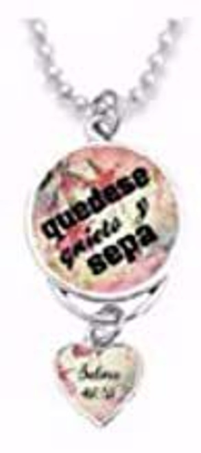 Span-Rearview Mirror Charm-Be Still and Know (Spanish)