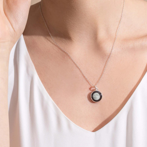Moonglow Charmed Simplicty Necklace